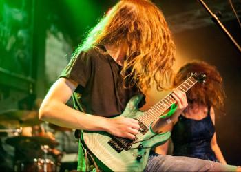 Bo-EL Guitarist Vincent Van Zwieten from Derailed Revolution