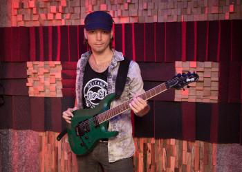 Bo-EL Guitarist Mark Bogert from Knight Area